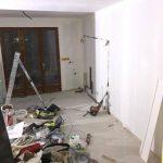 Pose de la peinture rénovation salon